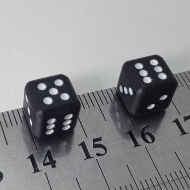 Игральные кости черные/белые A-Z-01/02